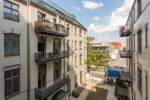 Downtown city landmark near Checkpoint Charlie, Appartamenti  Berlino - big - 24