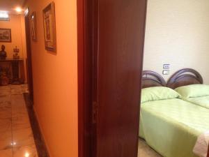 Hostal Salones Victoria, Penziony  Santa Marina del Rey - big - 4
