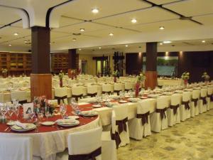 Hostal Salones Victoria, Penziony  Santa Marina del Rey - big - 11