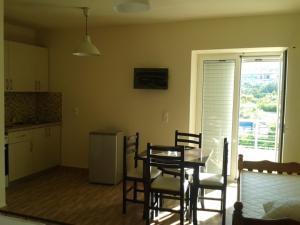Magic Ionian Apartments & Rooms, Guest houses  Himare - big - 66