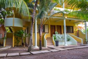 Sea Eye Hotel - Tropical Building