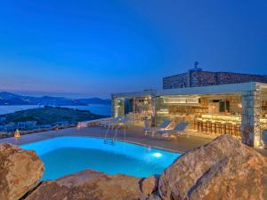 Eirini Luxury Hotel Villas, Vily  Grikos - big - 117