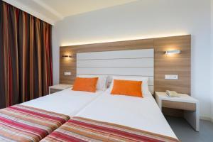 Globales Mediterrani, Hotels  Cala Blanca - big - 4