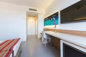 Globales Mediterrani, Hotels  Cala Blanca - big - 6