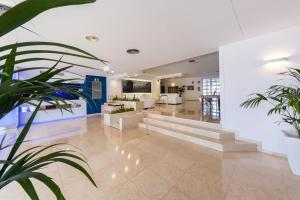 Globales Mediterrani, Hotels  Cala Blanca - big - 30