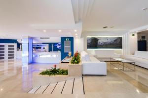 Globales Mediterrani, Hotels  Cala Blanca - big - 24
