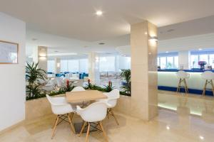 Globales Mediterrani, Hotels  Cala Blanca - big - 16