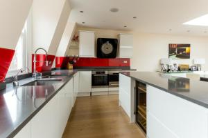 onefinestay - South Kensington private homes III, Апартаменты  Лондон - big - 130