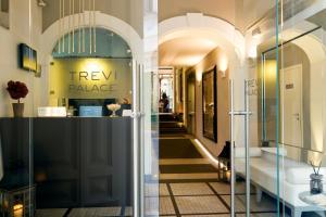 Trevi Palace Luxury Inn - AbcAlberghi.com