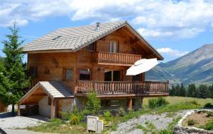 Location gîte, chambres d'hotes Chalet le Lagopède dans le département Hautes alpes 5