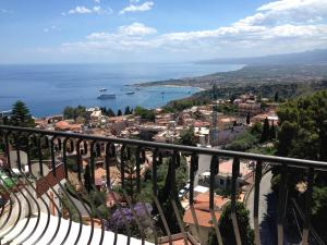 Villa Greta Hotel Rooms & Suites, Hotels  Taormina - big - 78