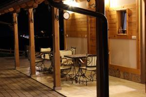 Villa Natural Wood, Ferienwohnungen  Zlatibor - big - 41