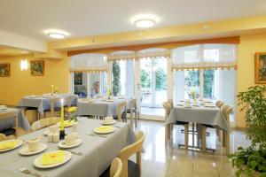 Hotel am Wald, Hotely  Monheim - big - 9