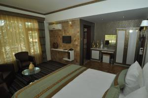 Deluxe Double or Twin Room Lalehan Hotel