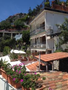 Villa Greta Hotel Rooms & Suites, Hotels  Taormina - big - 62