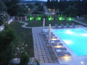 Villa Madeleine, Apartments  Nea Fokea - big - 54