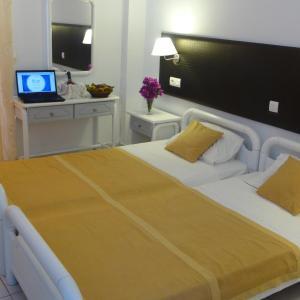 Blue Nest Hotel, Hotel  Tigaki - big - 58