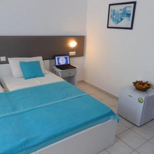 Blue Nest Hotel, Hotel  Tigaki - big - 72