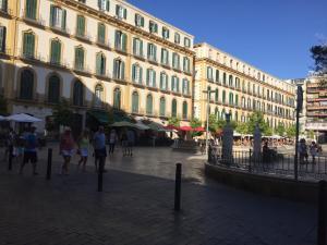 Apartamentos Gold Cervantes, Apartmány  Málaga - big - 38