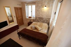 Tragurium & Salona Apartments, 21220 Trogir