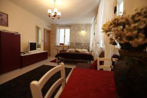 Tragurium & Salona Apartments
