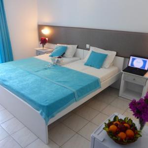 Blue Nest Hotel, Hotely  Tigaki - big - 53