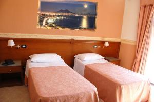 Hotel Ristorante Donato, Hotel  Calvizzano - big - 64