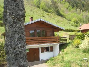 Location gîte, chambres d'hotes Chalet Les Jonquilles dans le département Vosges 88