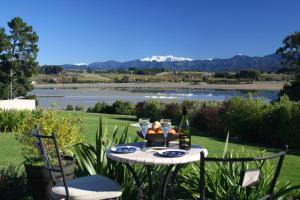 Almyra Waterfront Accommodation - Apartment - Tasman
