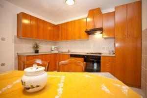 Apartments Fugosic