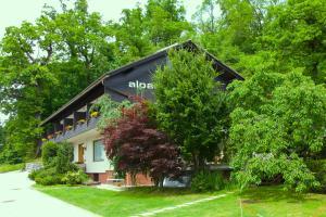 Alparti Mini Hotel - Accommodation - Bled