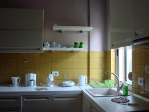 Cozy Beach House Gjiri Lalzit, Ferienhäuser  Fushë-Draç - big - 19