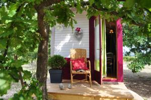 Location gîte, chambres d'hotes La roulotte Chic et Boheme dans le département Vaucluse 84