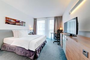 Hilton Garden Inn Stuttgart NeckarPark, Hotels  Stuttgart - big - 2