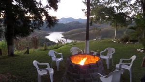 Pousada Canto do Lago, Гостевые дома  Пиракая - big - 22