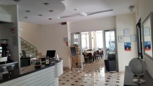 Hotel Tosi, Szállodák  Riccione - big - 36