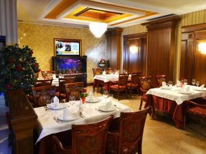 Hotel Austria, Hotels  Tirana - big - 52