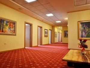 Hotel Austria, Szállodák  Tirana - big - 39