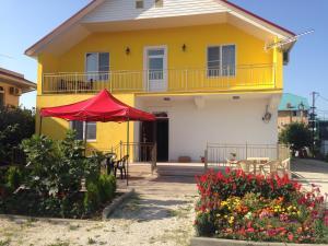Гостевой дом Желтый