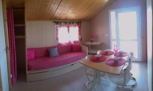 Location gîte, chambres d'hotes Les Chalets du Piou dans le département Loire 42