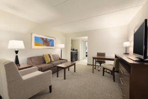 Embassy Suites by Hilton Milwaukee Brookfield, Hotels  Brookfield - big - 24