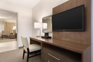Embassy Suites by Hilton Milwaukee Brookfield, Hotels  Brookfield - big - 25