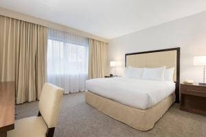 Embassy Suites by Hilton Milwaukee Brookfield, Hotels  Brookfield - big - 35