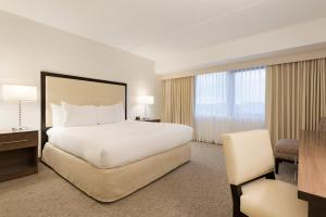 Embassy Suites by Hilton Milwaukee Brookfield, Hotels  Brookfield - big - 36