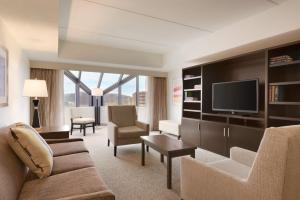 Embassy Suites by Hilton Milwaukee Brookfield, Hotels  Brookfield - big - 22