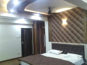 12 Star Garuda, Hotel  Pune - big - 8