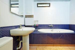 Apartment Deribasovskaya with jacuzzi, Apartmanok  Odessza - big - 18