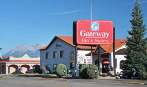 Gateway Inn and Suites, Hotels - Salida