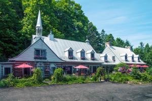 Le Petit Clocher Gite Touristique B & B - Accommodation - Saint-Sauveur-des-Monts