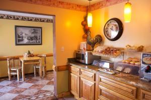 Gateway Inn and Suites, Hotel  Salida - big - 48